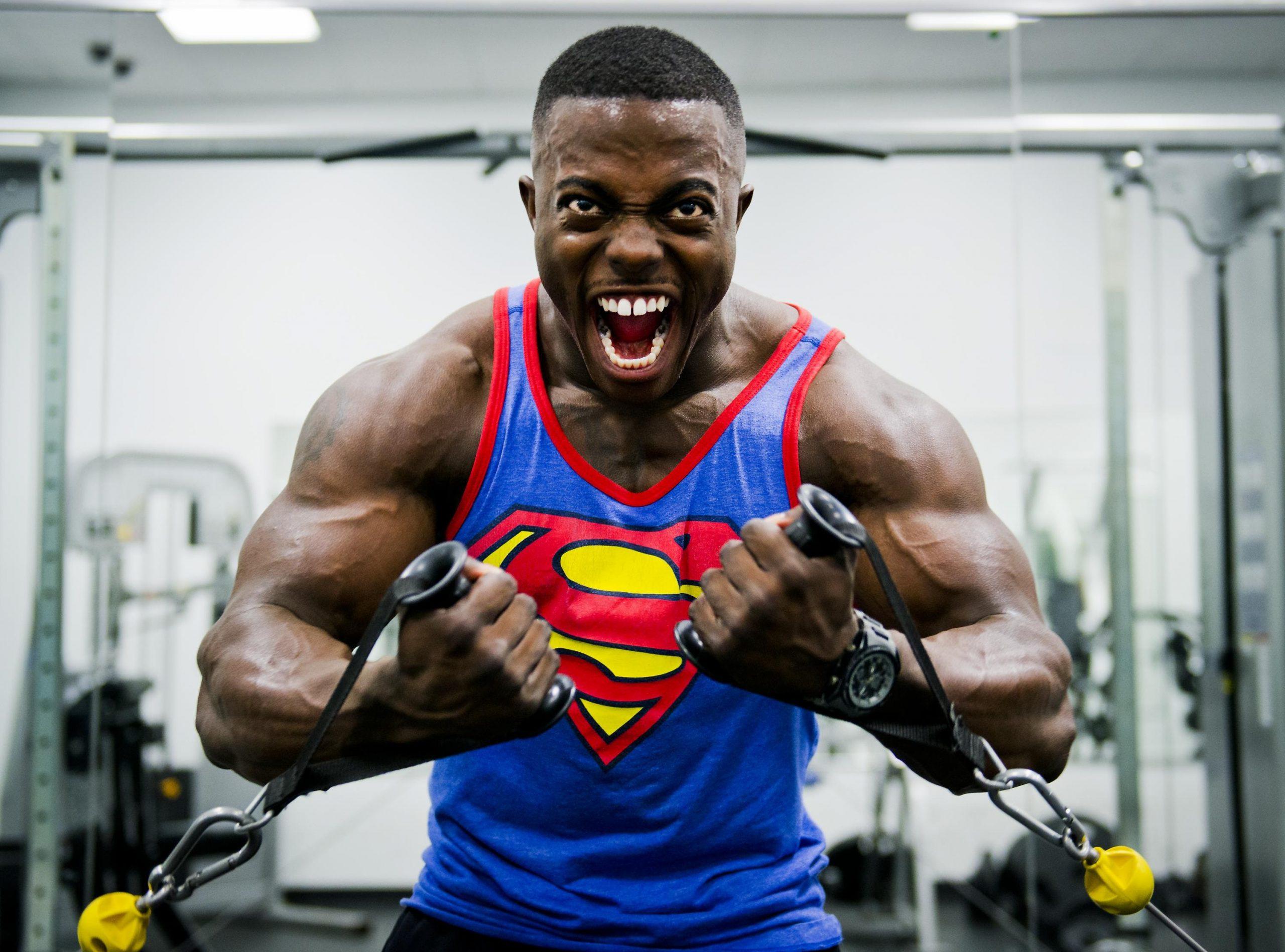 חולצת סופרמן לגבר